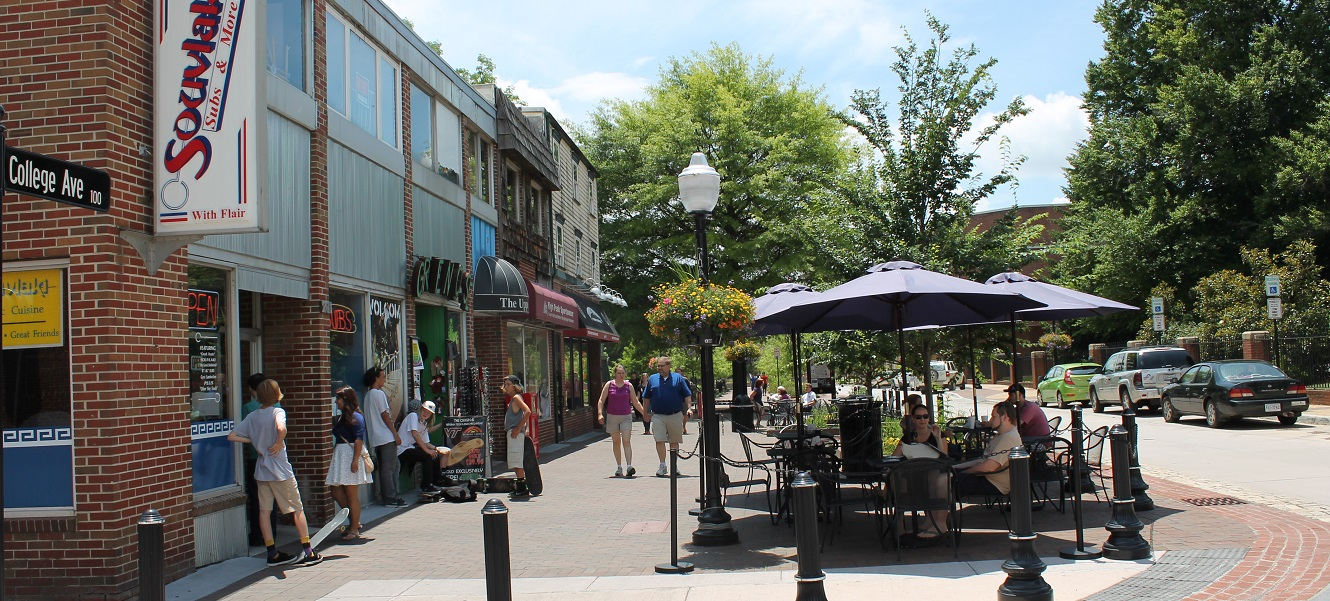 People shopping and dining in downtown Blacksburg.